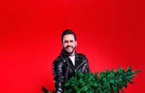 """Cantante Manny Cruz lanza un merengue """"En esta Navidad"""""""