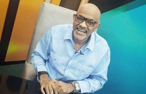 Comunicador Nelson Javier se recupera luego que le amputaran un pie