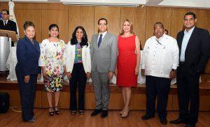 Ministerio Economía juramenta miembros sociedad civil en Consejo CASFL