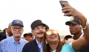 Presidente Medina anuncia ayuda para productores provincia Peravia