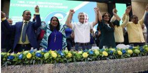 PAL proclama a Gonzalo Castillo candidato presidencial para el 2020