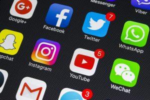Acusan a dos hombres de intento de estafa en redes sociales