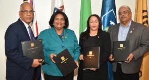 Firman acuerdo interinstitucional beneficiará personas viven con VIH