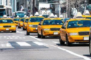 Suicidios y deudas impagables afectan taxistas de Nueva York