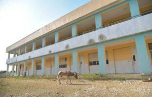 Exigen terminación de una escuela en el municipio de Villa González