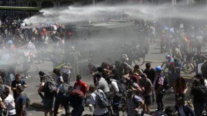 CHILE: Continúan protestas; menor de 4 años entre víctimas violencia