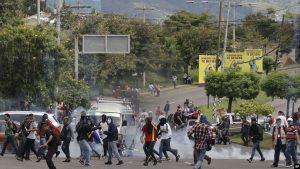 HONDURAS: Protestas contra presidente se vuelven violentas