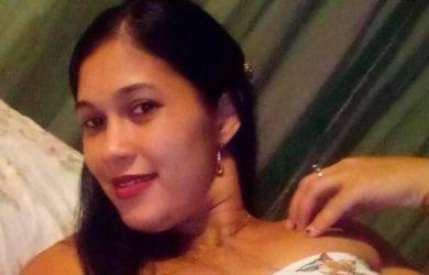 Muere atropellada por un camión una mujer que huía de perros