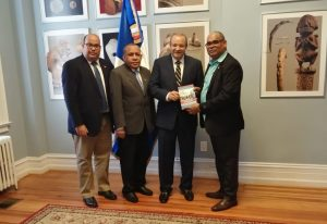 WASHINGTON: Periodista dominicano Rafael Santos pone libro en circulación