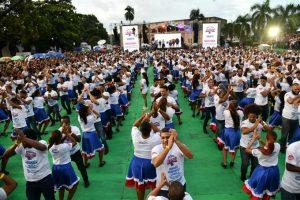 RD rompe récord mundial de parejas bailando merengue simultáneamente