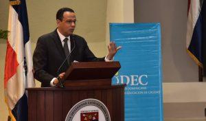 Ministro Educación valora informe sobre logros Revolución Educativa