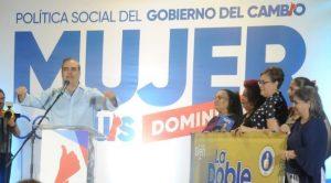 Abinader promete duplicar cobertura de asistencia social a las mujeres