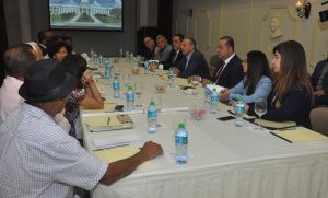 Crean comisión técnica para búscar solución agricultores El Seibo