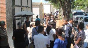 Miles fueron a cementerios de RD por el Día de los Fieles Difuntos