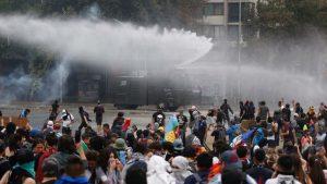 Chile cumple tres semanas de protestas con masiva marcha en Santiago