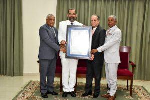 Senado reconoce embajador República Dominicana en España