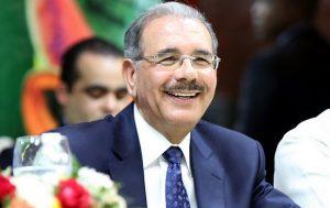 Empresarios, políticos y funcionarios felicitan Presidente en su cumpleaños