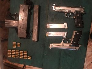 Incautan armas en aeropuerto; alertan sobre 500 mil armas ilegales