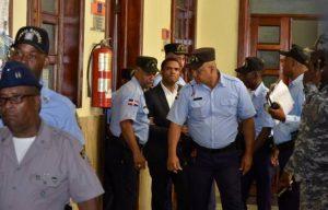Tribunal condena exembajador Donni Santana 20 años cárcel por incesto