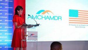 """Embajadora EEUU critica """"falta de transparencia y competitividad RD"""""""