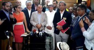 Coalición de partidos inscribe la  candidatura de Leonel ante JCE