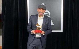 Juan Luis Guerra gana Latin Grammy como mejor album y canción tropical