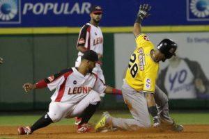 Leones dominan Aguilas; triple empate en tercer lugar beisbol