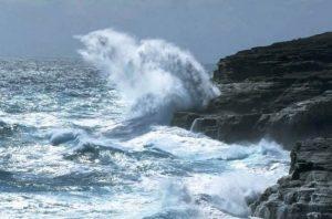 El COE alerta el este de la República Dominicana debido a fuertes oleajes