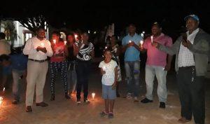 COTUI: Encienden velas en protesta por demolición del parque Duarte