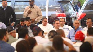 SANTIAGO: Pese a su cumpleaños Danilo hizo ayer una visita sorpresa