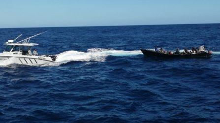 Armada de RD detiene 52 personas viajaban ilegalmente a Puerto Rico