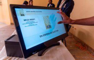 """Leonelistas califican como """"error mayúsculo"""" uso voto automatizado"""