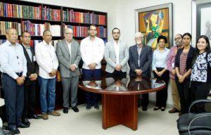 Familia Cott dona colección de fílmicos al Archivo de la Nación
