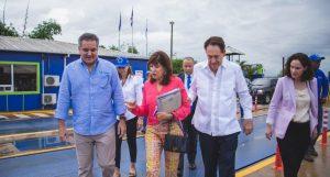 Embajadora de EEUU visita planta procesadora desechos sólidos en Santiago