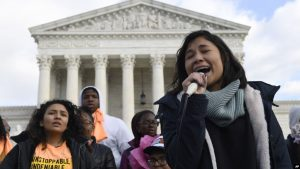 Corte de EEUU revisará el programa para migrantes DACA