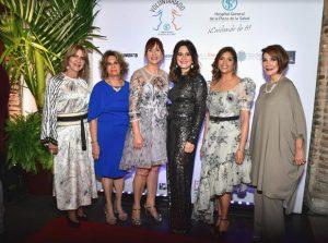 Dominicana Moda cierra desfile pro Voluntariado Hospital Plaza la Salud