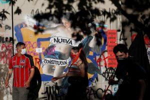 Con protestas y cabildos chilenos quieren cambiar rumbo de su país