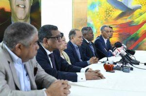 Fuerza del Pueblo emplaza a la JCE para que inscriba a Leonel Fernández