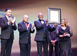 TC celebra gala y reconoce legado artístico de Johnny Ventura