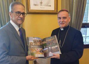 """Presentan en Guatemala libro sobre """"visitas sorpresa"""""""