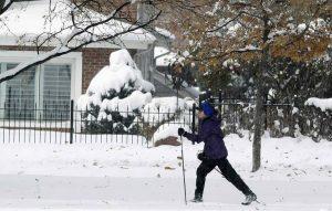 Miles familias siguen sin luz tras azote tormentas en noreste EE.UU