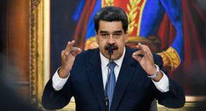 Maduro desafía a quienes buscan derrocarlo y apoya a Evo Morales
