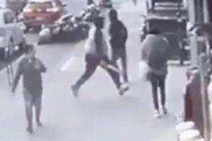 Hombre con un machete hiere joven de gravedad en edificio El Bronx