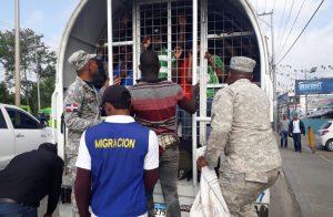 Migración dice deportó en octubre a 7,662 extranjeros indocumentados