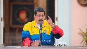 Maduro expulsa a diplomáticos de El Salvador por apoyo Bukele a Guaidó