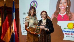 Embajada de RD en Alemania reconoce a Petra Cruz