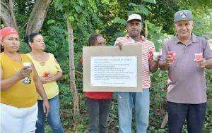 Residentes de los Jardines del Yaque piden saneamiento de cañada