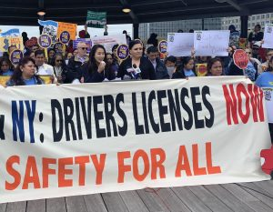 Ley permite licencias de conducir a migrantes entrará en vigencia lunes