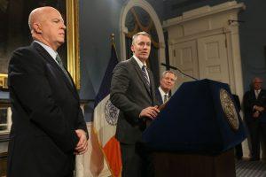 Asume nuevo comisionado Policía de Nueva York; tiene grandes retos
