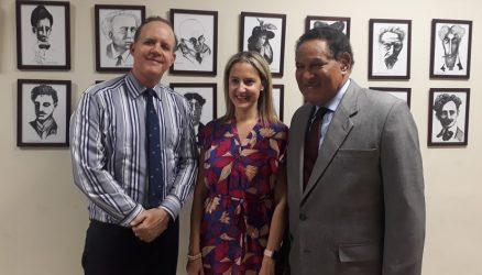 URUGUAY: Embajada República Dominicana auspicia conferencia